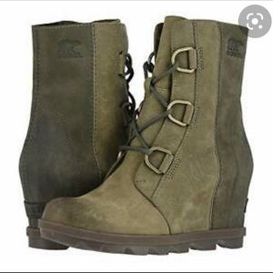 Sorel Green Joan of Arctic Wedge Boots Size 8